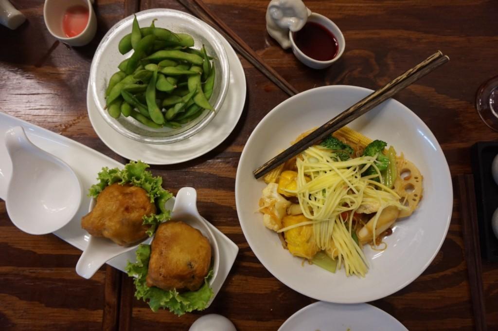 Mango - Pad Thai Deluxe and Edamame