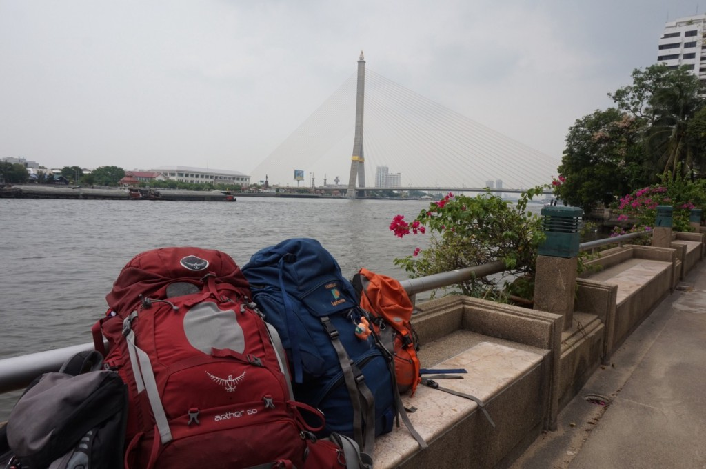 Backpacks and the Rama VIII bridge - Bangkok