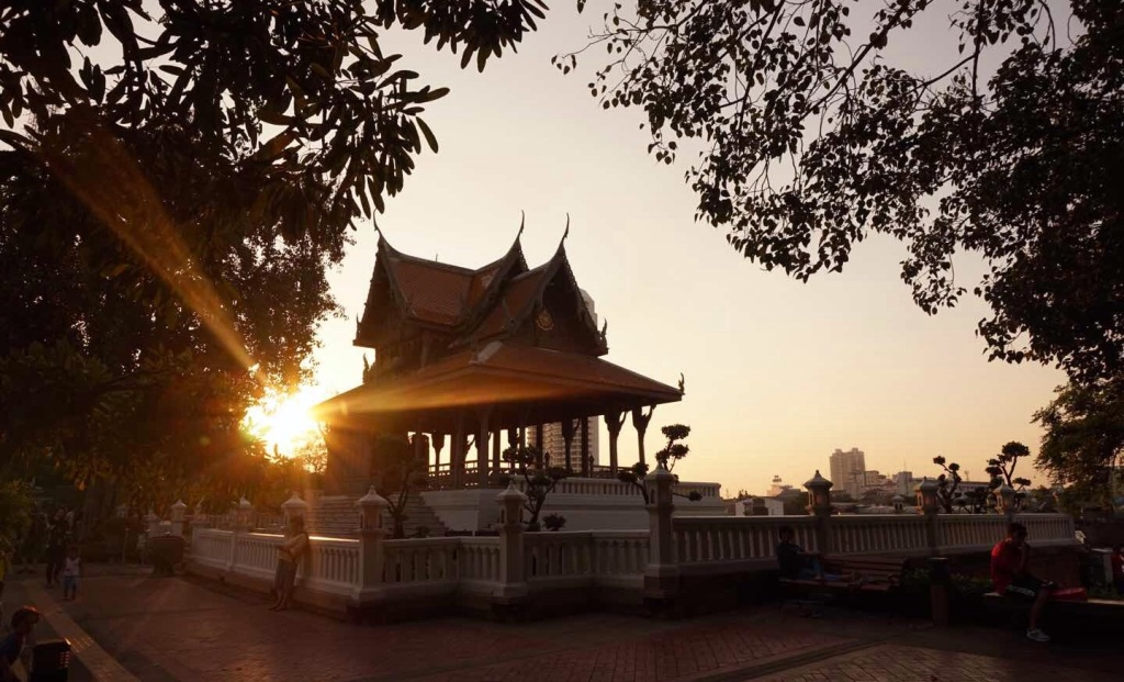 Phra Athit temple
