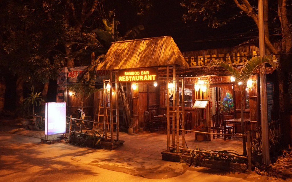 Bamboo Bar and Restaurant Tam Coc
