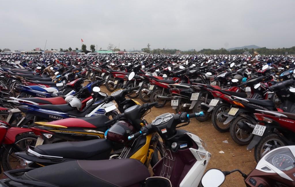 Bai Dinh Temple bikes