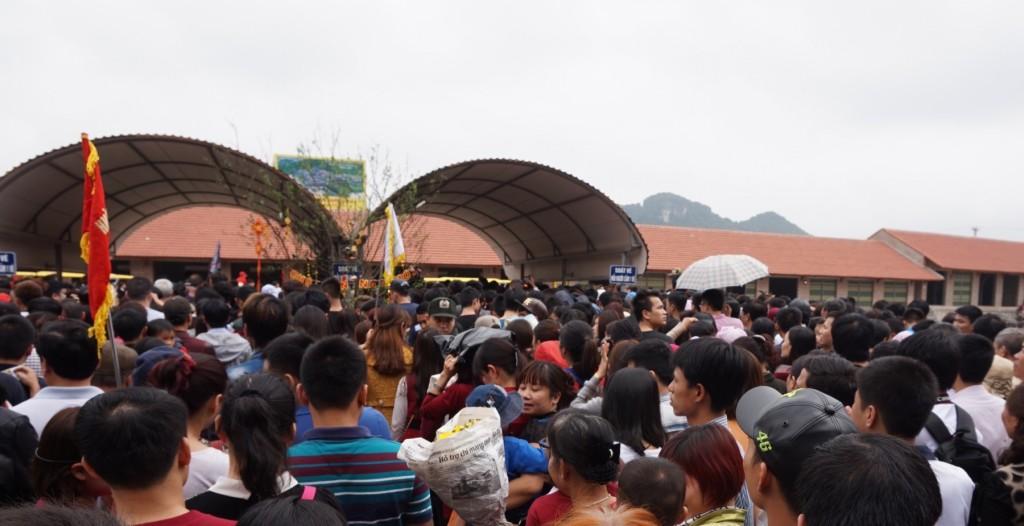 Bai Dinh Temple busy