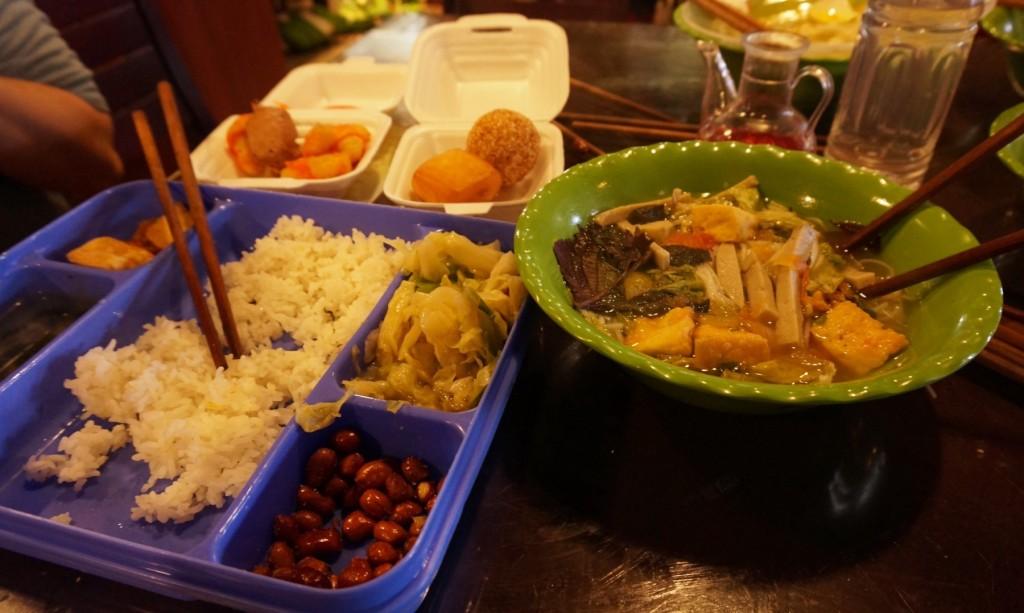 Bai Dinh Temple vegan food