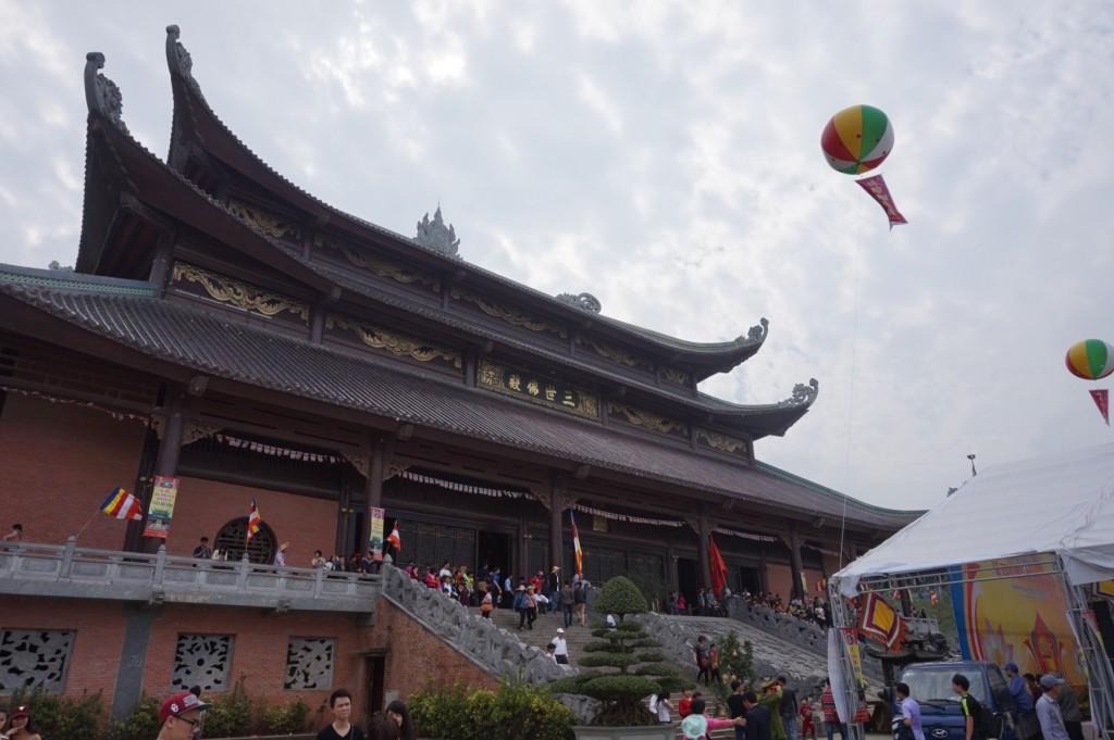 Bai Dinh Temple grounds