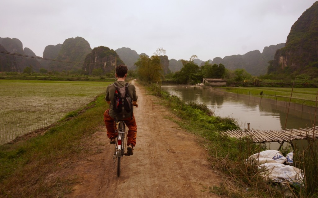 Cycling around Tam Coc (Vietnam)