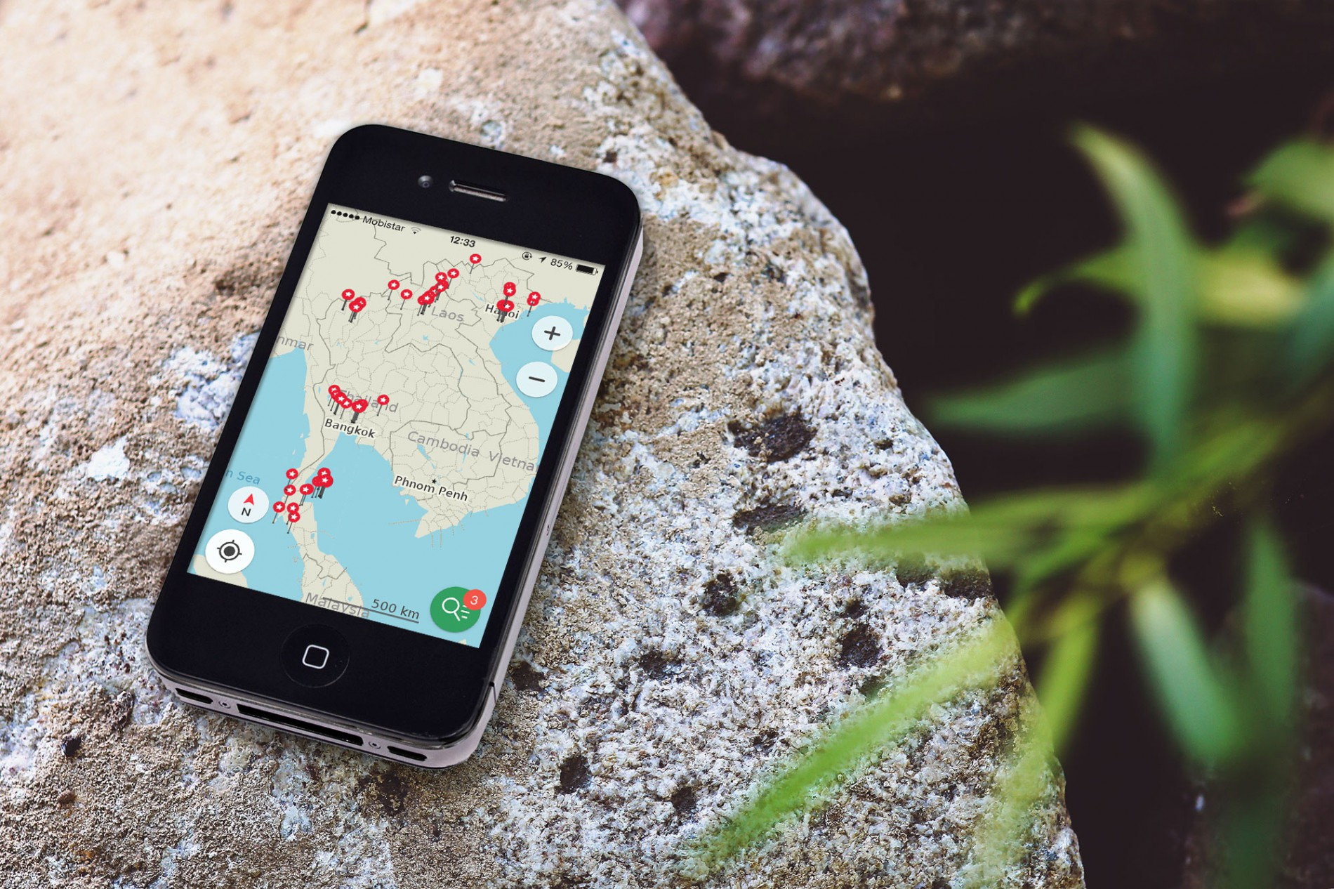HappyCow and MapsMe-app